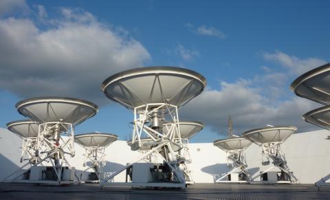 Small AMI télescope at the Mullard Radio Astronomy Observatory, Cambridge, UK.